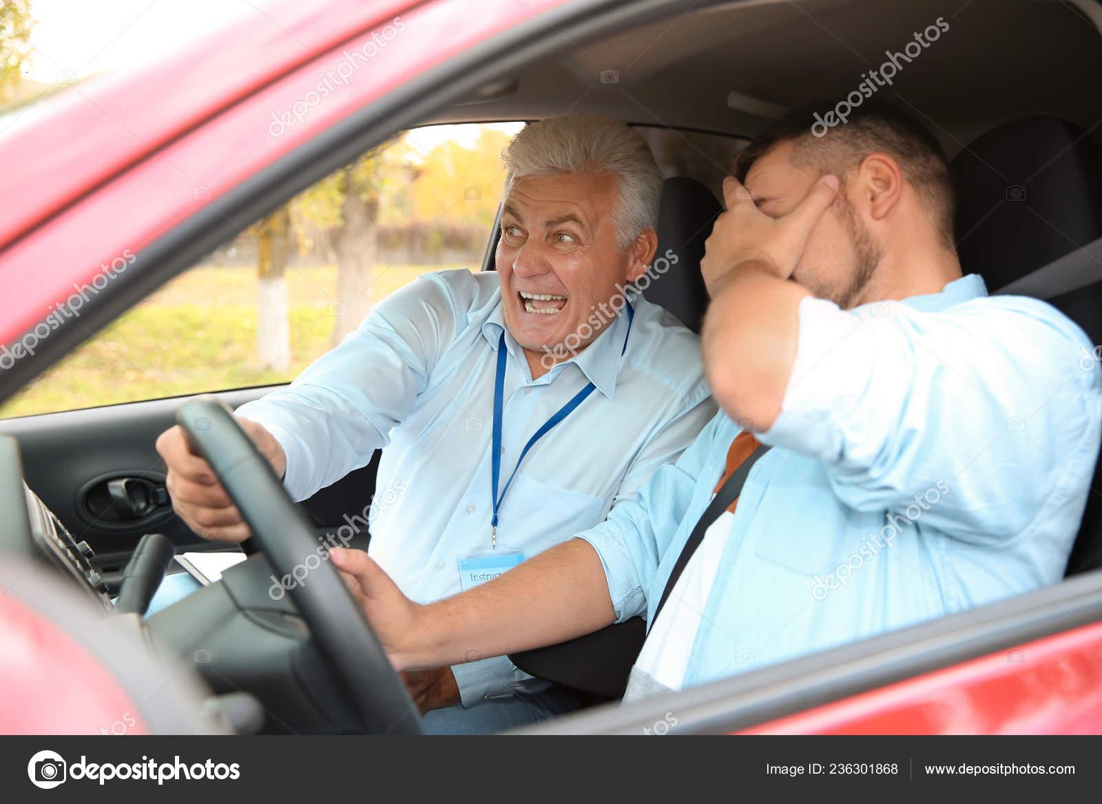 Leerling-chauffeurs kregen te horen dat ze op sociale media moesten oppassen voor nep-autoverzekeringen, aangezien een golf van nieuwe automobilisten de weg op zal gaan nadat de pandemie de tests heeft vertraagd